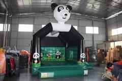 Springkasteel Panda + glijbaan (5,5 x 4,5 m) overdekt